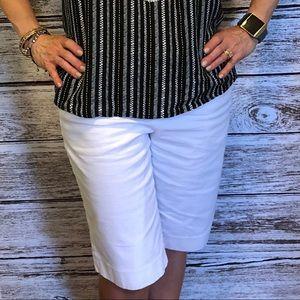 White dress shorts Josephine Chaus size 6
